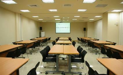 classroom30_04.jpg